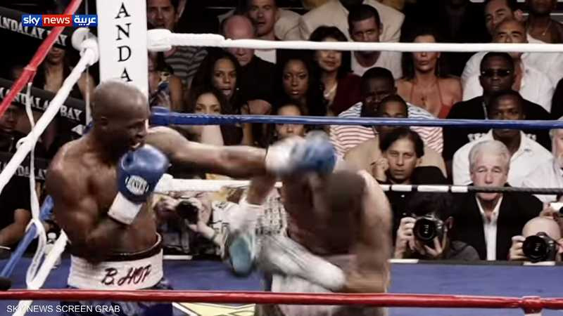 بعد اعتزال 23 عاما.. نايجل بن يعود إلى حلبات الملاكمة