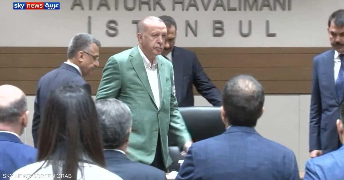 """أردوغان يتهرب من """"السؤال المحرج"""".. ويرد بالتوبيخ والاتهامات"""