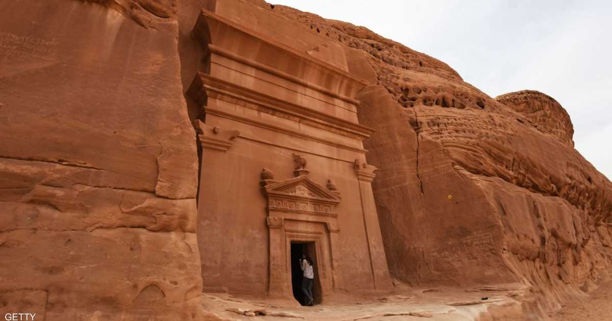 السعودية تفتح أبوابها للسياح.. قرار تاريخي وأفق اقتصادي جديد