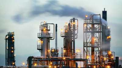 أسعار النفط تتراجع بفعل الحرب التجارية