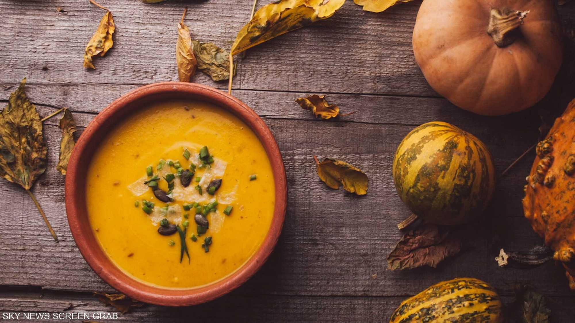 حساء القرع.. طبق صحي بمكونات غذائية