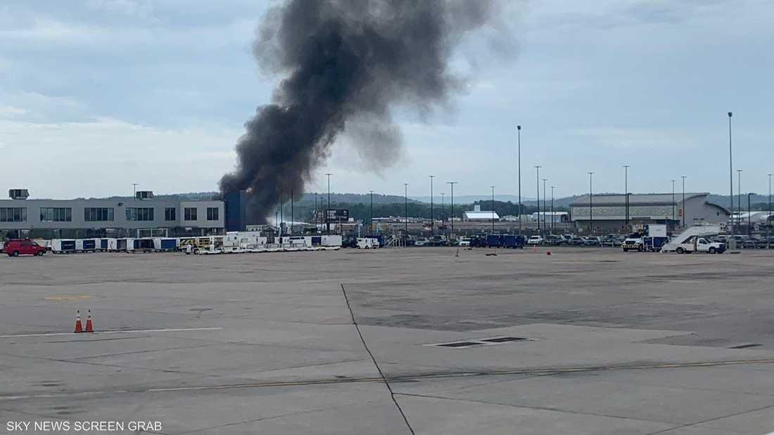 لحظة اندلاع النيران في الطائرة (مواقع تواصل)
