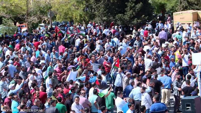الأردن.. اتفاق لوقف إضراب المعلمين