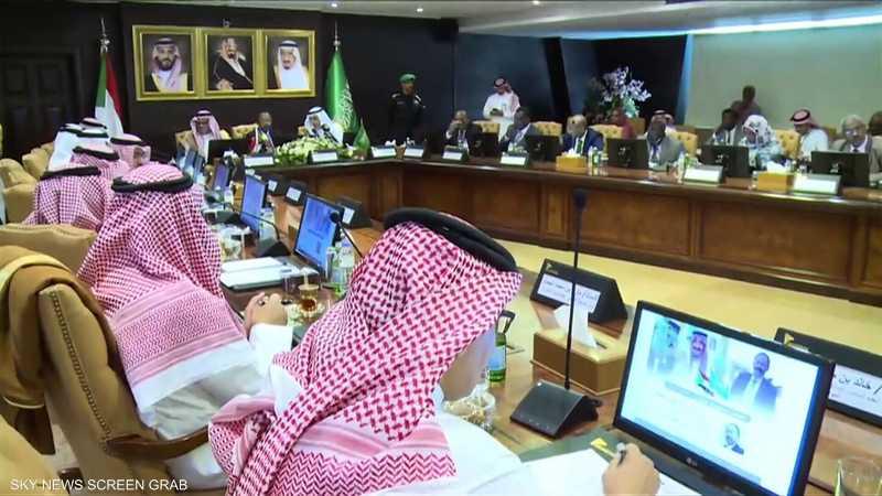 جولة مشتركة للبرهان وحمدوك في الخليج لدعم السودان دوليا