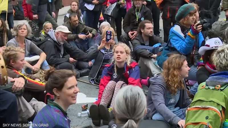 لندن.. نشطاء البيئة يواصلون الضغط على الحكومة