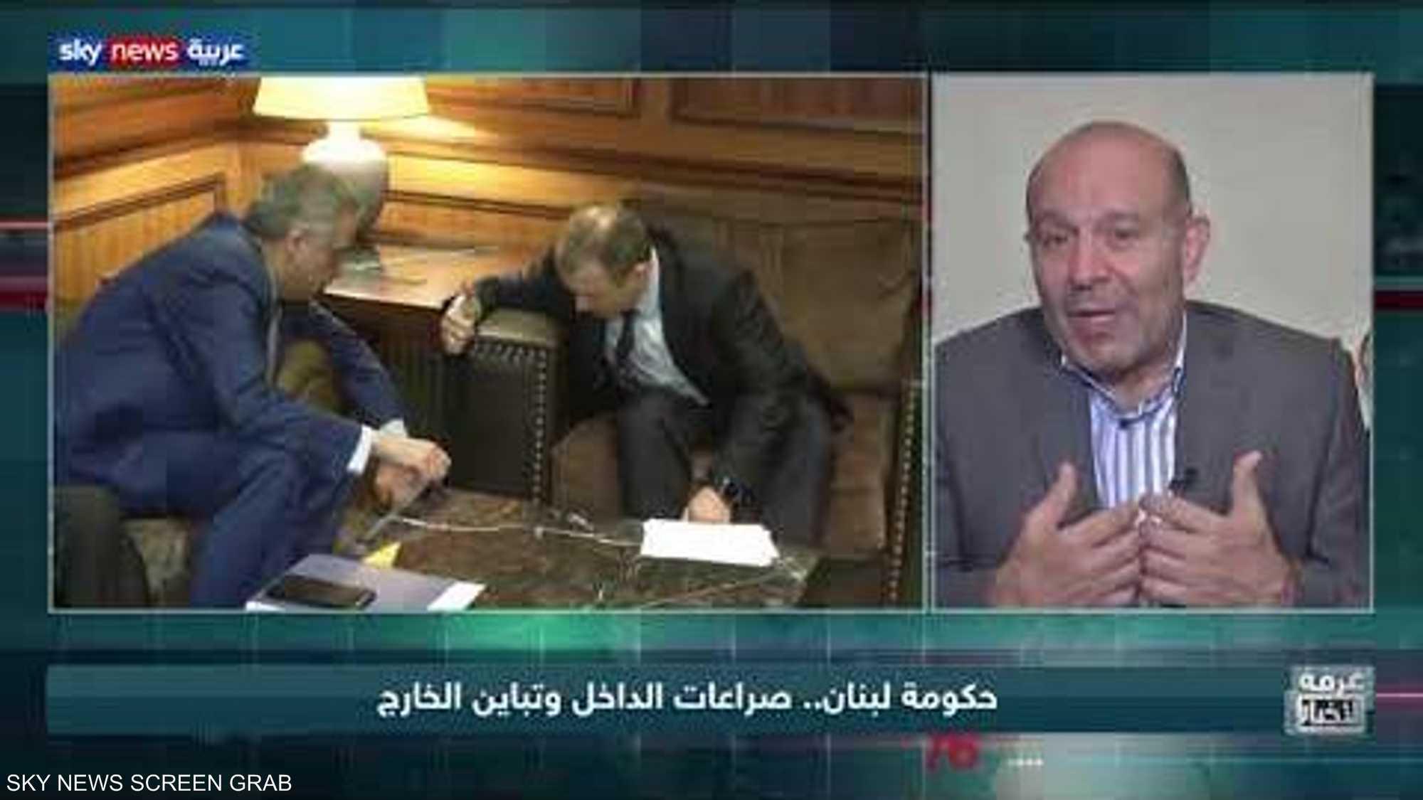 حكومة لبنان.. صراعات الداخل وتباين الخارج