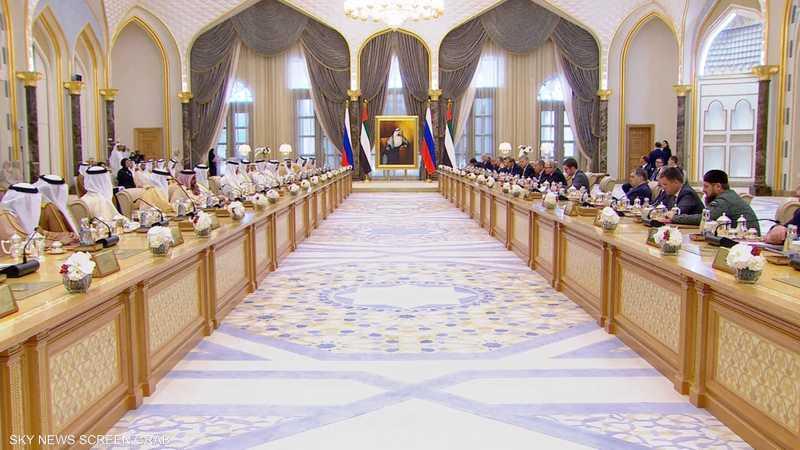 بوتن: مستمرون في تعزيز التعاون بين روسيا والإمارات