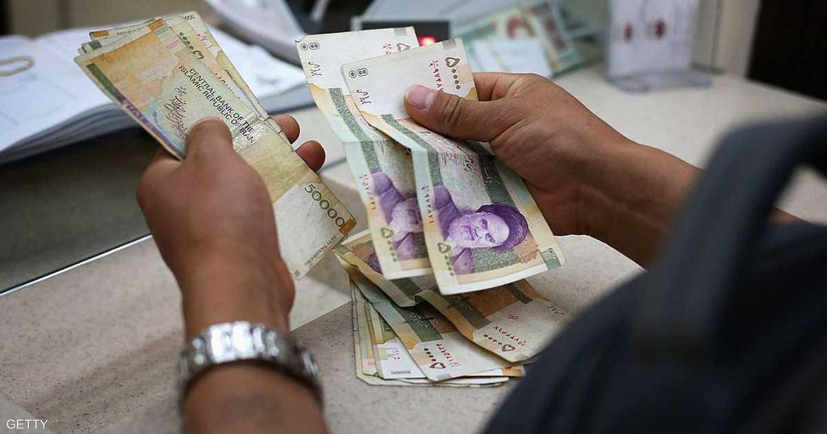 أسوأ من التوقعات.. الانكماش يبتلع الاقتصاد الإيراني