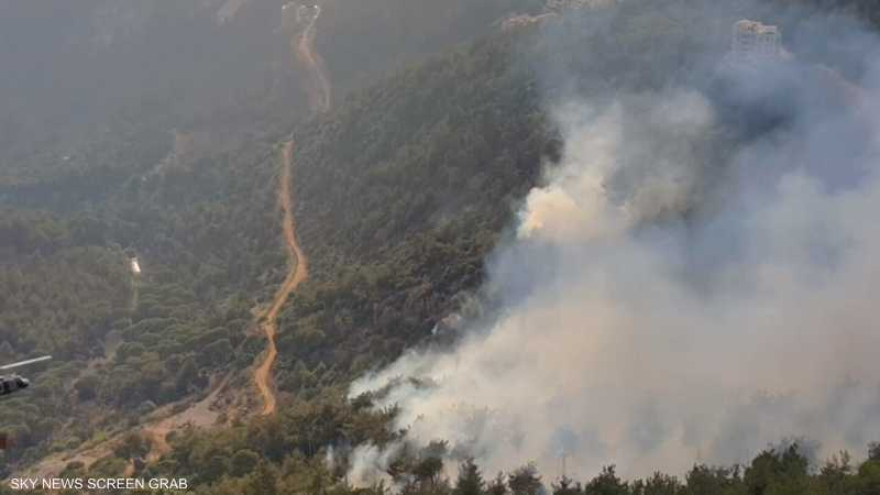 عشرات الحرائق تجتاح لبنان وسوريا