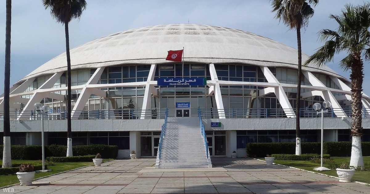 حريق هائل يلتهم قصر الرياضة في تونس   أخبار سكاي نيوز عربية