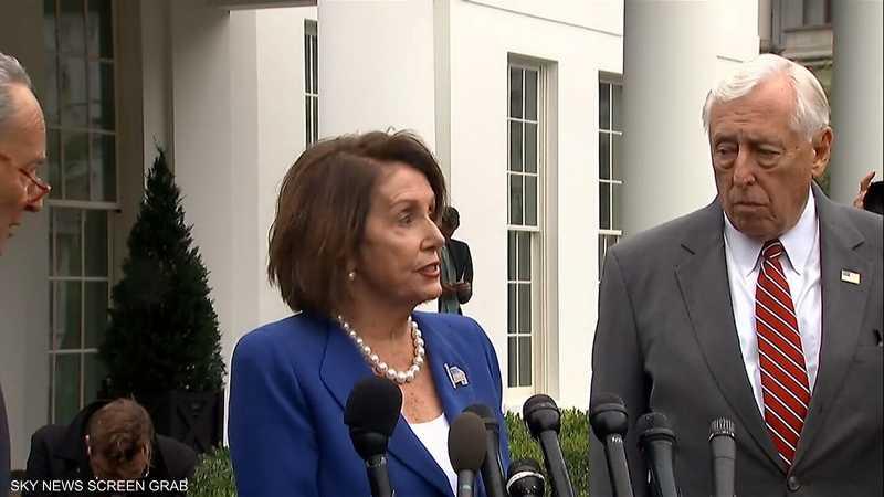 نانسي بيلوسي تتهم ترامب بابتزاز أوكرانيا لتحقيق مكاسب سياسية