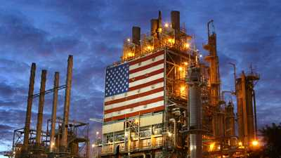 النفط يهبط مع زيادة المخزونات الأميركية