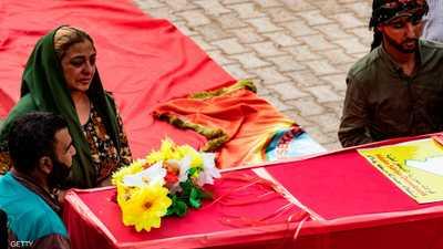 عائلات كردية تشيع جثامين ضحايا الاجتياح التركي
