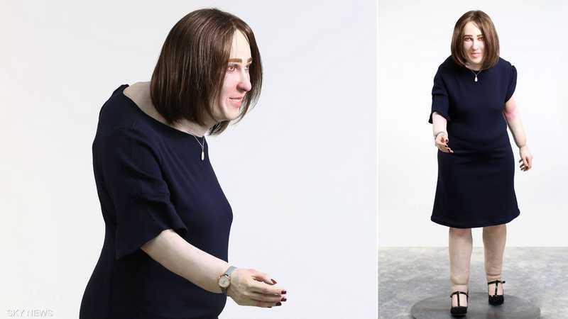 """الدمية """"إيما"""" تظهر الشكل المستقبلي للعاملين في مكاتب"""