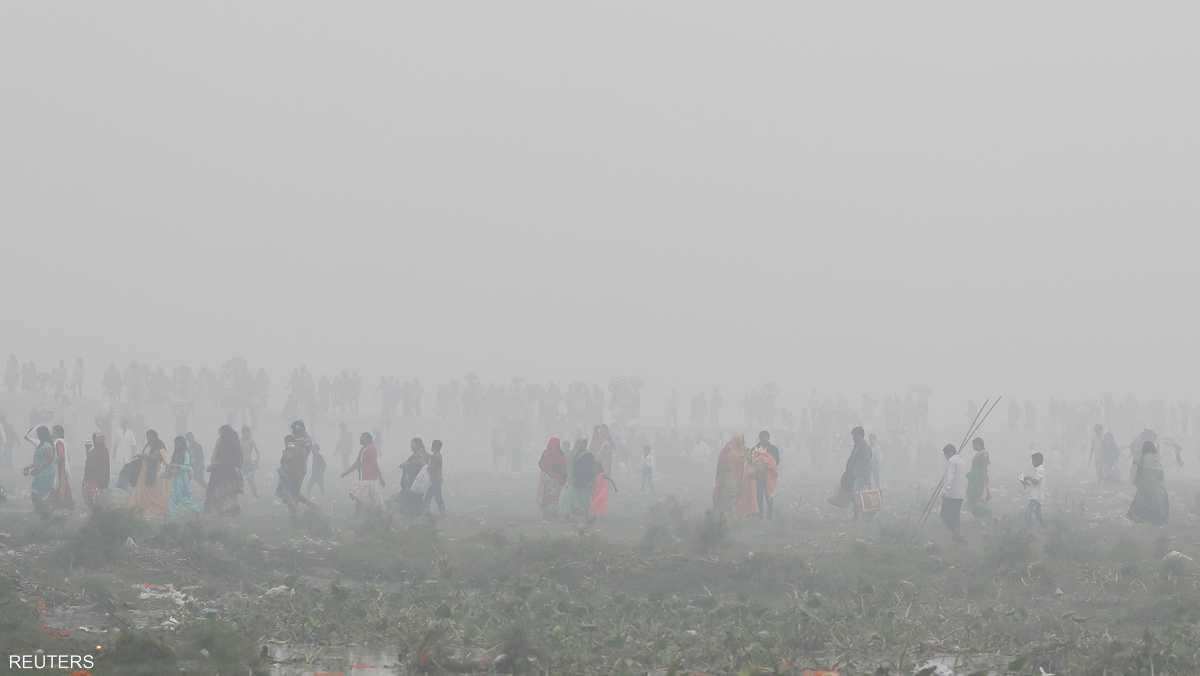 سكان كثر في دلهي يشكون من مشكلات في الحلق والعينين