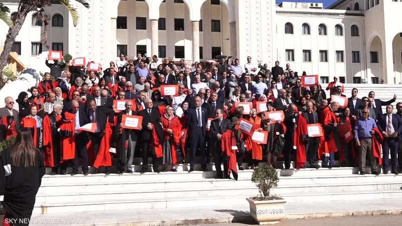 الجزائر.. الأزمة بين القضاة ووزارة العدل تتصاعد