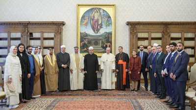 سيف بن زايد يشهد اختتام قمة الأديان في الفاتيكان