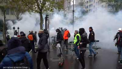 """فرنسا.. عنف وتخريب في الذكرى الأولى للـ""""سترات الصفر"""""""
