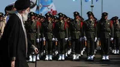 """احتجاجات الغضب تقوض مشروع """"الهلال الإيراني"""""""