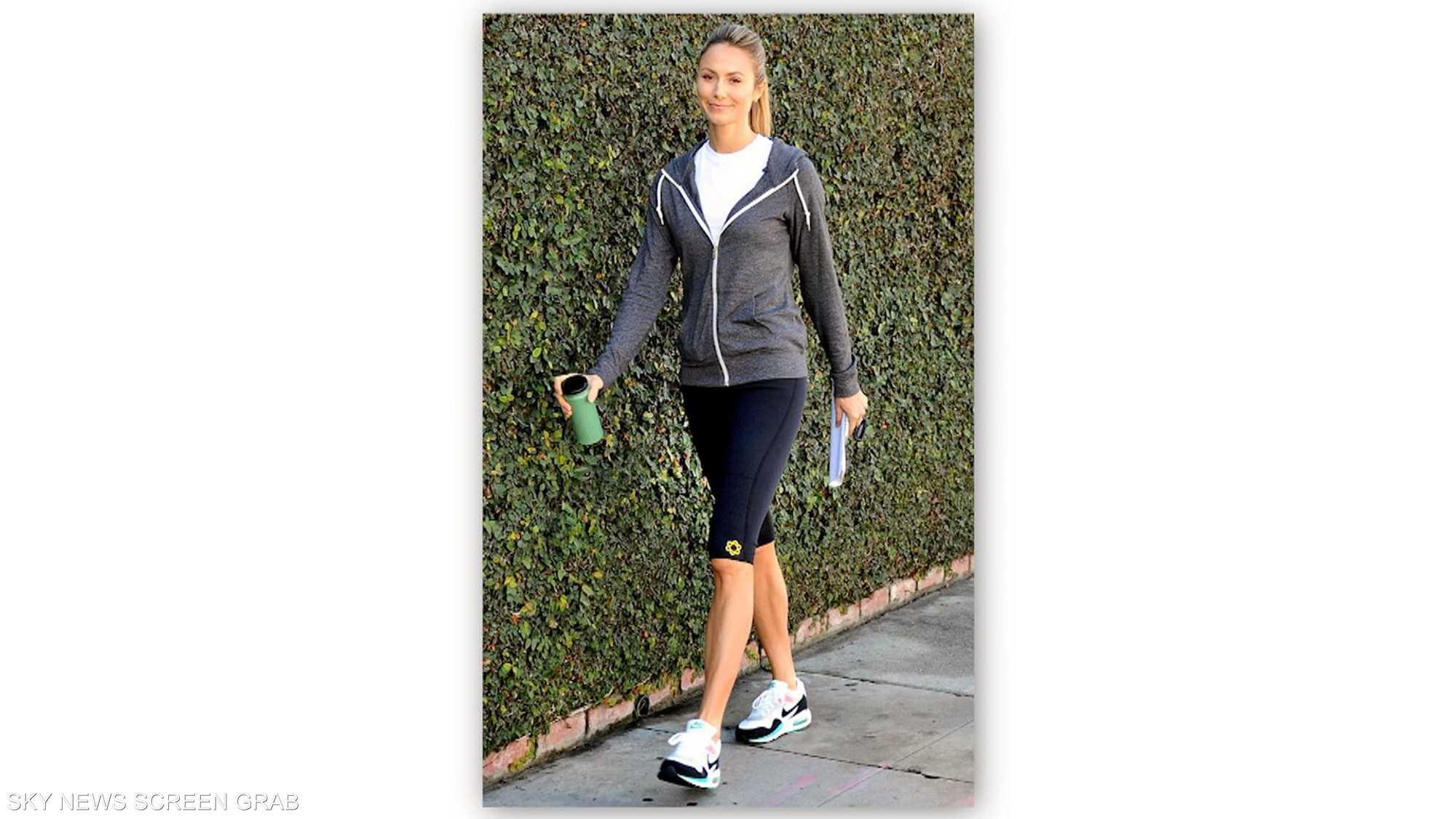 ملابس رياضية عصرية تواكب الموضة