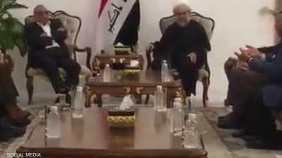 """فيديو مسرب.. رئيس الحكومة العراقية يتلقى """"نصائح مثيرة للجدل"""""""