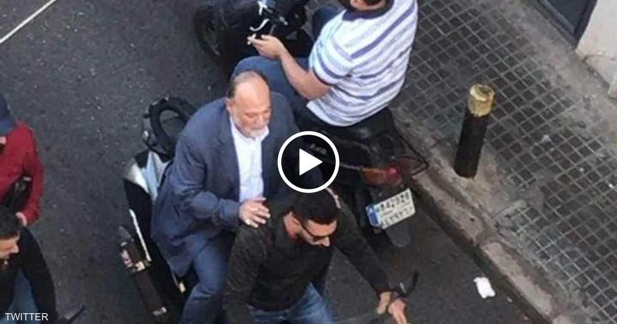 متظاهرو لبنان في مواجهة النواب