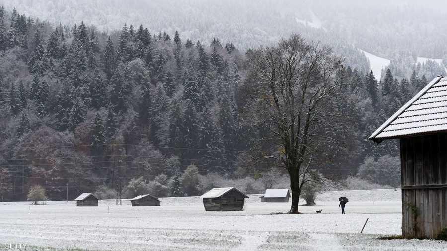 الثلوج كست غابات في جنوب ألمانيا.