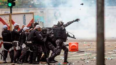 """اقتحمت الشرطة الحي.. فقتل 9 """"من دون رصاص أو اشتباكات"""""""