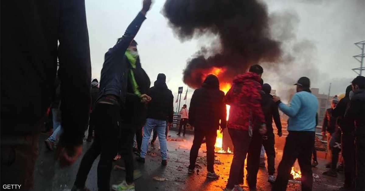 208 قتلى باحتجاجات إيران.. وتهديدات لعائلات الضحايا