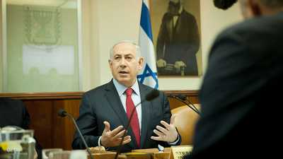 300 شاهد إثبات في قضايا الفساد التي تطارد نتانياهو