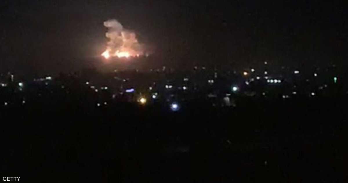 ردا على إطلاق قذائف .. غارات إسرائيلية على مواقع في قطاع غزة