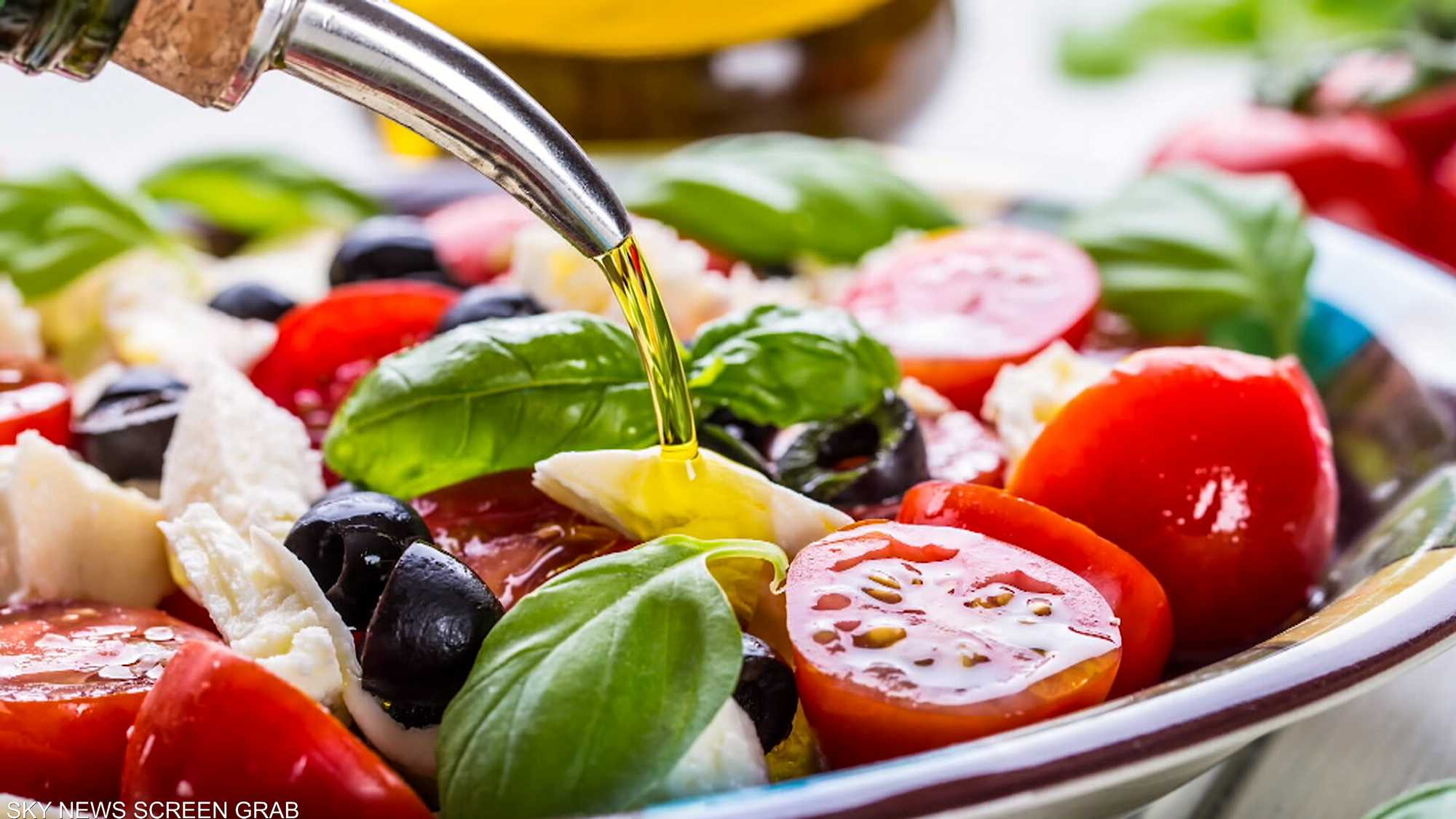 سلطة كابريزي.. فخر المطبخ الإيطالي