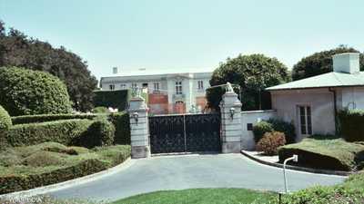 نجل روبرت مردوخ يشتري منزلا بـ150 مليون دولار