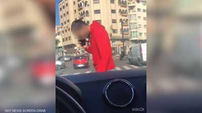 """فيديو.. اعتقال رجل بعد """"الاعتداء والتحرش"""" بسيدة في المغرب"""