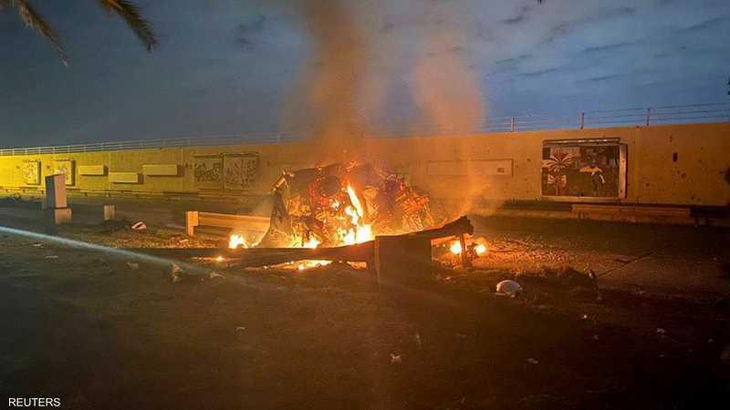 سيارة سليماني المحترقة بعد قصفها بصواريخ أميركية