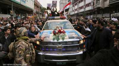 """""""سيارة التشييع"""" تثير الجدل في جنازة سليماني"""