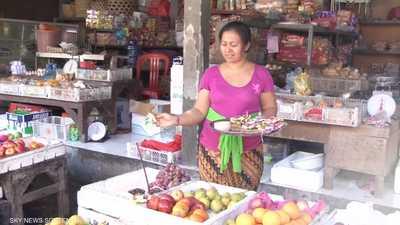 تعرفوا على أغرب وجبات الشوارع في إندونيسيا