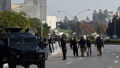 قتلى وجرحى في انفجار قنبلة بمسجد في باكستان