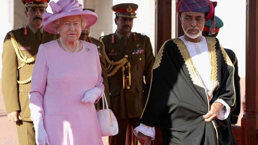 وملكة بريطانيا إليزابيث الثانية