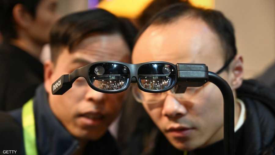 """""""إن ريال""""، هي نظارات الواقع المعزز والتي تتيح للمستخدم المزج بين الصور الافتراضية مع العالم الحقيقي"""