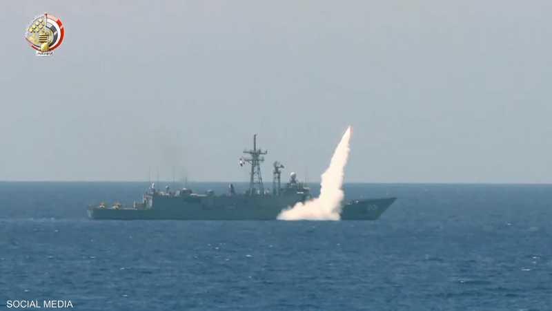 شملت المناورات إطلاق صواريخ من سفن حربية بالمتوسط