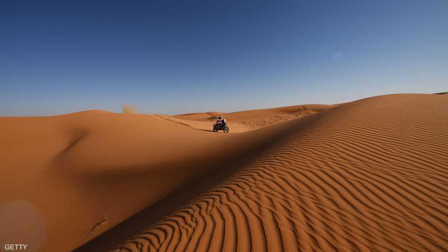 رالي داكار يعيد اكتشاف سحر الصحراء حيث المتعة والجمال