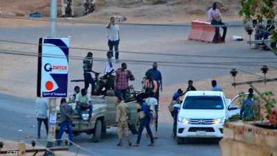 سياسيون: التمرد الفاشل بالخرطوم استهدف إعادة البشير