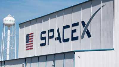 """""""سبيس إكس"""" تجري آخر تجاربها قبل استئناف رحلات مأهولة للفضاء"""