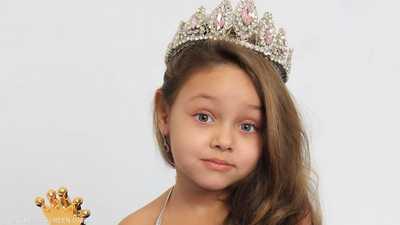 بيا.. أول طفلة مصرية تفوز بلقب ملكة جمال في روسيا