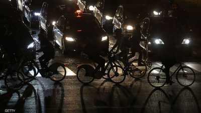 محتجو فرنسا يقطعون الكهرباء عن أكبر سوق للأغذية بالعالم