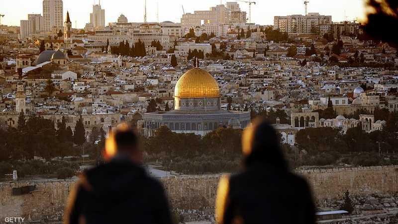 رحب الإسرائيليون بالخطة بينما ندد بها الفلسطينيون.