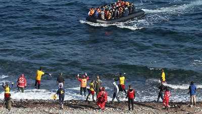 جدار يوناني عائم لصد المهاجرين.. هذه مواصفاته