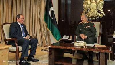 وزير الخارجية الجزائري يبحث مع حفتر الأزمة الليبية
