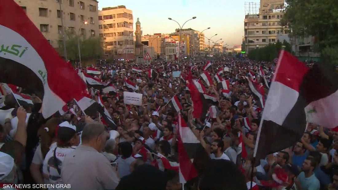 العراق.. اتفاق بين متظاهرين وممثل الصدر للتهدئة بشروط